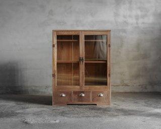 開き戸収納棚