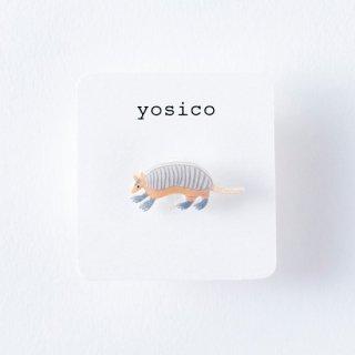 yosico ひとつぶイヤリング アルマジロ