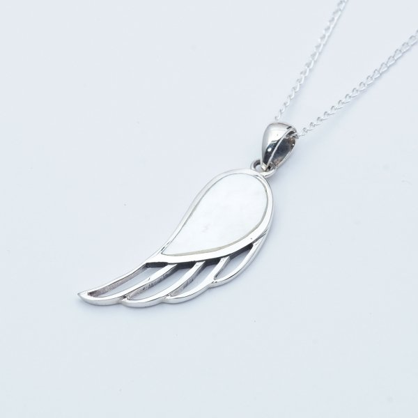FEATHER LINE WHITE SHELL