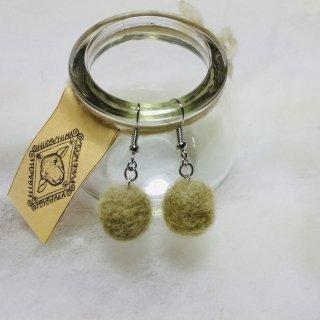 豊栄羊毛のイヤリング(マリーゴールド緑)