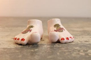 VINTAGE FOOT SALT AND PEPPER SHAKERS