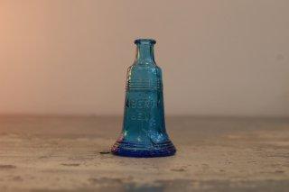 VINTAGE GLASS MINI BOTTLE LIBRTY BELL