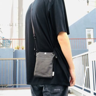 <img class='new_mark_img1' src='https://img.shop-pro.jp/img/new/icons1.gif' style='border:none;display:inline;margin:0px;padding:0px;width:auto;' />Pouch leather