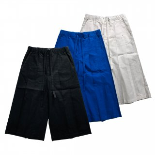 <img class='new_mark_img1' src='https://img.shop-pro.jp/img/new/icons21.gif' style='border:none;display:inline;margin:0px;padding:0px;width:auto;' />LUCIE PLEATED SHORTS