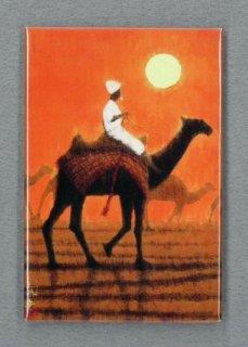 [アートマグネット]朝陽の砂漠を行く