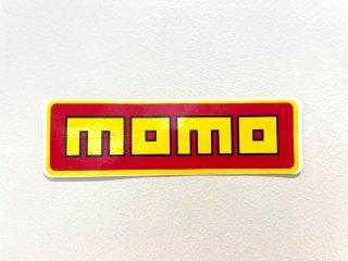 momoステッカー