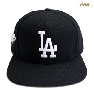 <img class='new_mark_img1' src='https://img.shop-pro.jp/img/new/icons59.gif' style='border:none;display:inline;margin:0px;padding:0px;width:auto;' />PRO STANDARD LOS ANGELES DODGERS STRAPBACK CAP【BLACK】