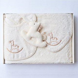 ベビー ギフトセット 木馬刺繍 (おくるみ スタイ がらがら・ギフトボックス入り)
