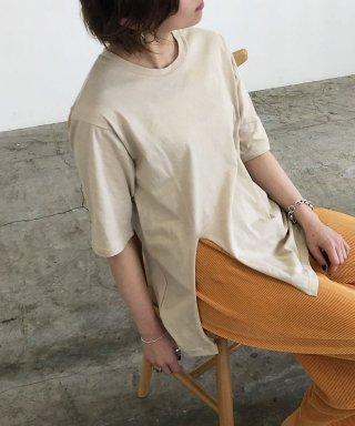 オーバーサイズサイドスリットTシャツ