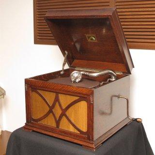 卓上型蓄音機 HMV130(オーク仕上)