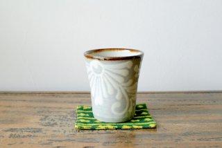 【やちむん・糸満】フリーカップ 小 白いっちん花唐草