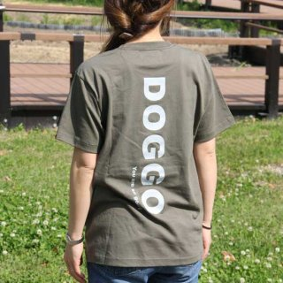 <img class='new_mark_img1' src='https://img.shop-pro.jp/img/new/icons25.gif' style='border:none;display:inline;margin:0px;padding:0px;width:auto;' />DOGGO/Tシャツ(通常シルエット/アーミーグリーン)/愛犬とペアルック可