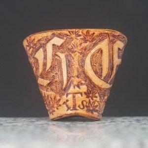 タイストラップ carving(彫刻) シリーズ ゴシック体アルファベット・イニシャル(オーダーメイド=受注製作) ナチュラル 3点セット価格