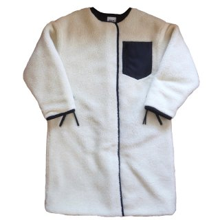 <img class='new_mark_img1' src='https://img.shop-pro.jp/img/new/icons47.gif' style='border:none;display:inline;margin:0px;padding:0px;width:auto;' />reversible coat