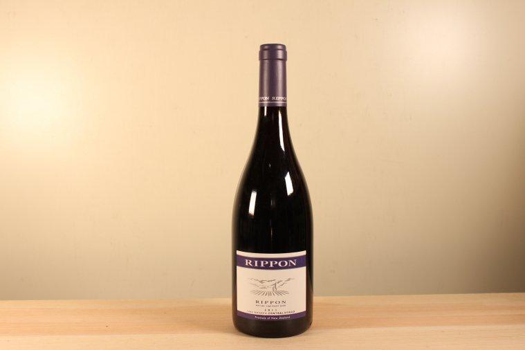 リッポン マチュア ヴァイン ピノ Rippon Mature Vine Pinot Noir 2011