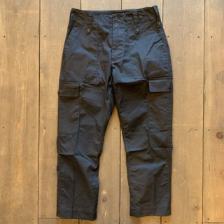 <img class='new_mark_img1' src='https://img.shop-pro.jp/img/new/icons5.gif' style='border:none;display:inline;margin:0px;padding:0px;width:auto;' />【MILITARY DEADSTOCK】BRITISH ARMY LIGHT WEIGHT TROUSERS 『BLACK』FATIGUE CARGO PT