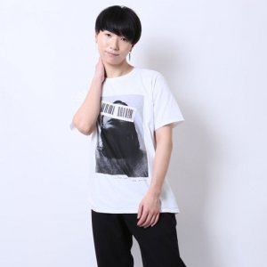<img class='new_mark_img1' src='https://img.shop-pro.jp/img/new/icons20.gif' style='border:none;display:inline;margin:0px;padding:0px;width:auto;' />【30%OFF】Barcode Photo Tee