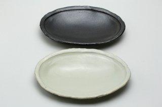 楕円皿(黒釉)岡崎勉