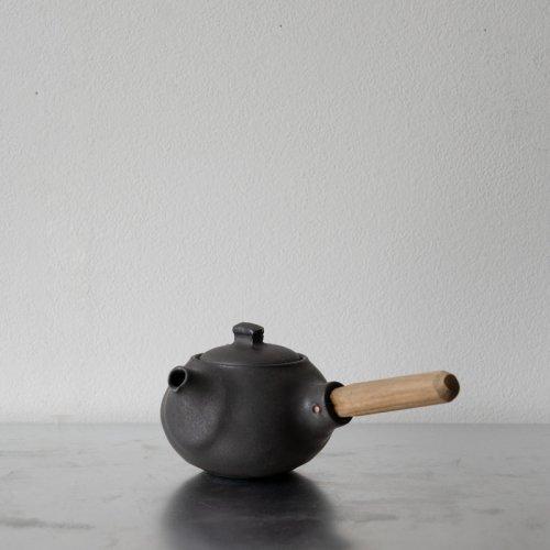 馬場勝文 / 黒釉煎茶急須 (丸)