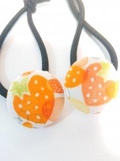 オレンジのイチゴ ヘアゴム