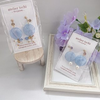 【atelier techi】マーブルブルーのイヤリング