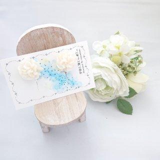 シンプルなお花のイヤリング