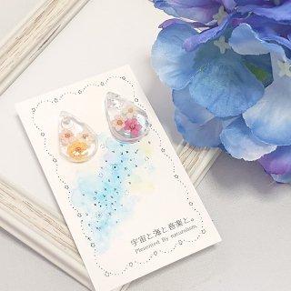 3色のお花のしずくピアス(樹脂)