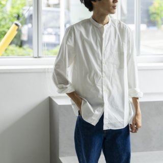 <img class='new_mark_img1' src='https://img.shop-pro.jp/img/new/icons13.gif' style='border:none;display:inline;margin:0px;padding:0px;width:auto;' />MANUAL ALPHABET LOOSE FIT BAND COLLAR SHIRT