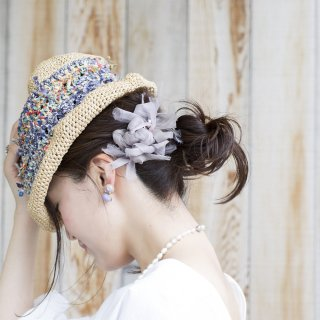 mini|オフィス|彩る咲き編みバレッタ/ヘアクリップ