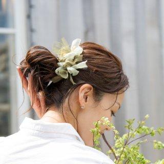 mini|グリーンティ|彩る咲き編みバレッタ/ヘアクリップ