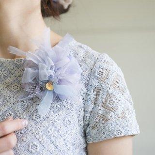 ブルー|やさしく彩る咲き編みコサージュ