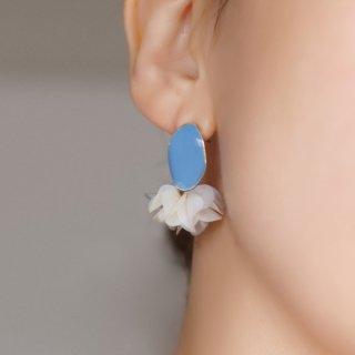 花咲きフリルのアンティークピアス|ミスティブルー