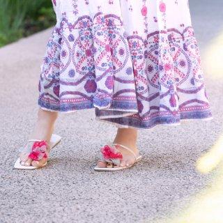 夏を彩る咲き編みトングサンダル|ベリー