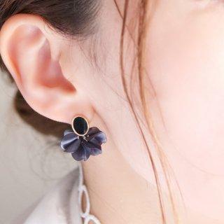 花咲きフリルのアンティークピアス(18Kgp)|ブラックフリル