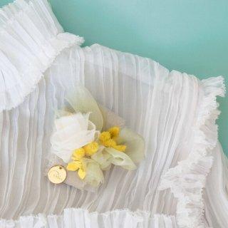 ミモザ咲くコサージュ|咲き編みマリアージュ