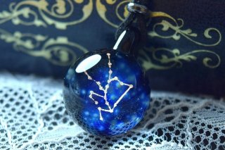 【Glass Planet】星座の輝き 牡牛座 ガラスペンダント(品番33)