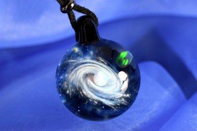 【Glass Planet】銀河と惑星 ガラスペンダント(品番41)