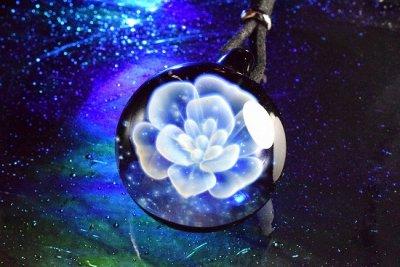 【Glass Planet】「星空の花」ガラスペンダント(品番73)