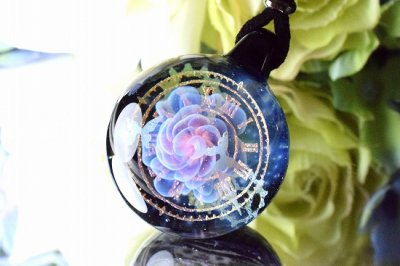 【Glass Planet】「時空の華」ガラスペンダント(品番92)