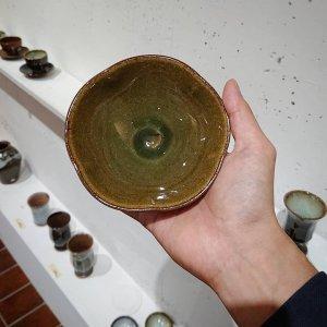 緑釉輪花鉢