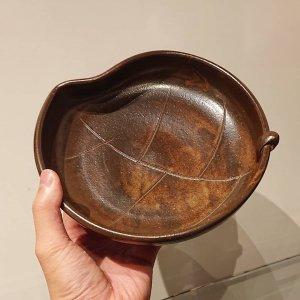灰釉木葉鉢
