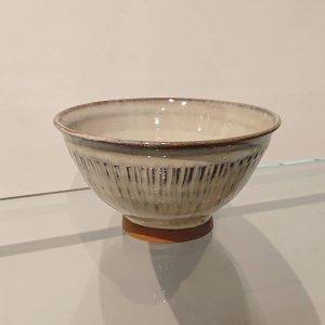 藁灰釉飯碗 (飛び鉋)