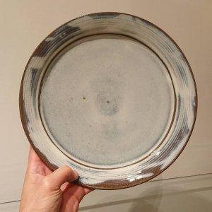 藁灰釉八寸平皿