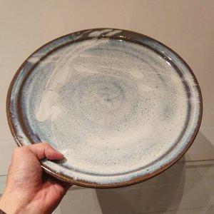 藁灰釉尺平皿