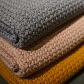 AVERY ROW / Knitted Blanket