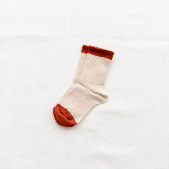 <img class='new_mark_img1' src='https://img.shop-pro.jp/img/new/icons10.gif' style='border:none;display:inline;margin:0px;padding:0px;width:auto;' />fin & vince colorblock socks - redrockの商品画像