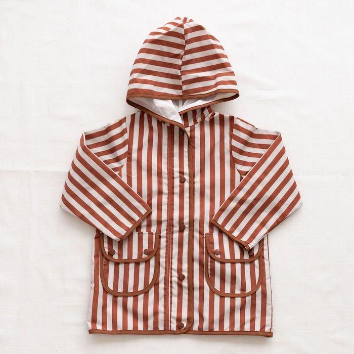 <img class='new_mark_img1' src='https://img.shop-pro.jp/img/new/icons10.gif' style='border:none;display:inline;margin:0px;padding:0px;width:auto;' />fin & vince rain coat - popcorn stripeの商品画像