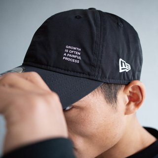 930CS NEW ERA CAP LETTERED PRINT【BLACK】FREE