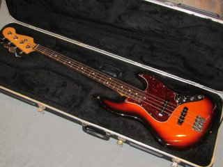 <img class='new_mark_img1' src='https://img.shop-pro.jp/img/new/icons47.gif' style='border:none;display:inline;margin:0px;padding:0px;width:auto;' />Fender American Standard Jazz Bass  1996【中古】