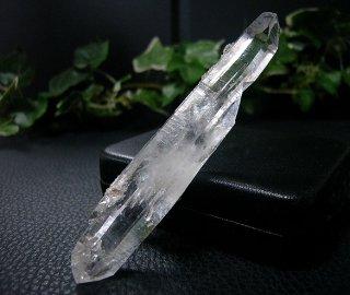 ナチュラルポイント(貴州産ガーデン水晶ダブルターミネーター309)両剣水晶
